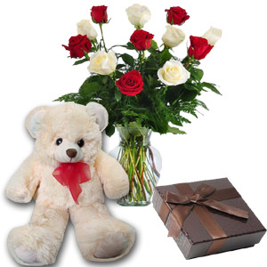 (04) 1 dz mix Roses in vase W/Chocolate and Bear