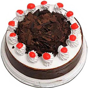 Yummy Yummy - 2.2 Pounds Black Forest Round Cake