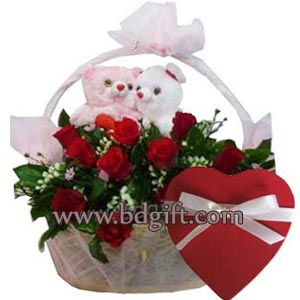 (83) 2 dozen red roses in basket W/ Twin Bear & chocolate