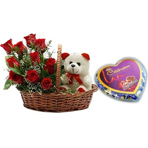 (48) 2 dozen red roses in basket W/ Pair Bear & chocolate