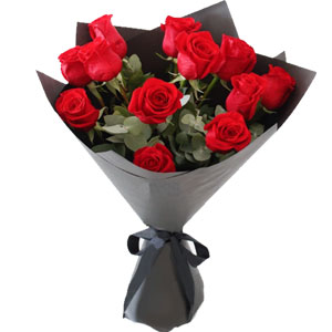 (07) 1 Dozen red roses in bouquet