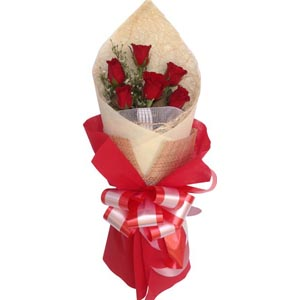 (001) 6 pcs red roses in bouquet