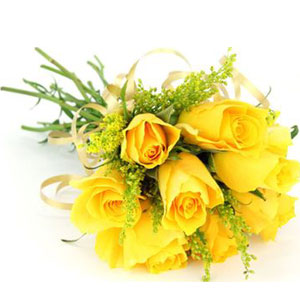 (0004) 8pcs Yellow Imported Roses in a Bouquet